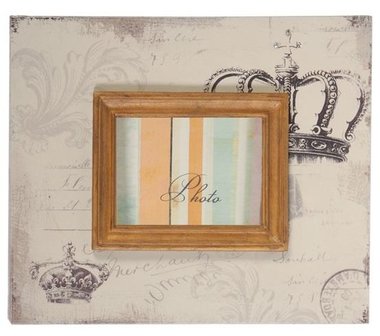 Рамка для фото HamptonФоторамки<br>Достойная и стильная оправа для ваших фотографий <br>— рамка Hampton. Она выполнена из высококачественного <br>материала, имеет приятный глазу бледно-бежевый <br>цвет и коричневое обрамление под дерево. <br>Рисунки по рамке придают ей особую изысканность <br>и французский деревенский шарм, свойственный <br>интерьеру в стиле Прованс. Превосходный <br>элемент декора любой комнаты вашего дома.<br><br>Цвет: Бежевый, Коричневый<br>Материал: МДФ<br>Вес кг: 0,9<br>Длина см: 22,86<br>Ширина см: 1,19<br>Высота см: 27