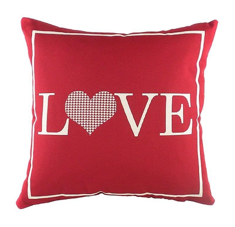 Подушка для любимой LoveПодушки<br>Маленькая красная подушка, покрыта хлопковой <br>тканью с надписью Love. Мягкий и упругий наполнитель <br>хорошо поддерживает спину, поможет расслабиться <br>и принять удобную позу. Подушка также будет <br>отличным сувениром и оригинальным подарком.<br><br>Цвет: Красный<br>Материал: Чехол для подушки: лицевая сторона - 57% полиэстер, <br>Вес кг: 0,4<br>Длина см: 43<br>Ширина см: 43<br>Высота см: 14