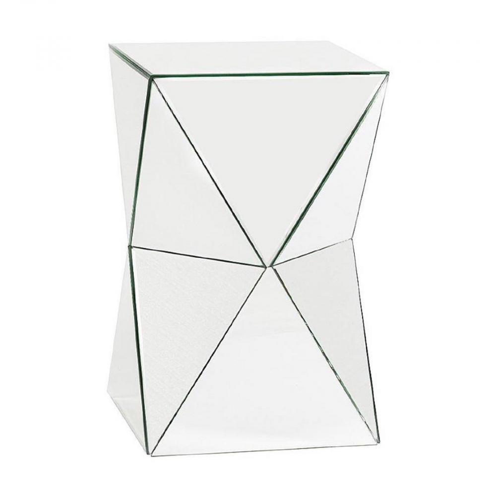 Зеркальный журнальный столик VergeКофейные и журнальные столы<br>Бесконечно оригинальный и ультрамодный <br>зеркальный журнальный столик Verge, из коллекции <br>«Зеркальная», высотой чуть больше полуметра <br>превосходно впишется в комнату любого размера. <br>За счет уникальной зеркальной поверхности <br>он поможет визуально расширить пространство <br>помещения и отразит в себе ваш модный интерьер. <br>Такой предмет мебели непременно привнесет <br>в ваш дом дополнительный уют и роскошь, <br>изысканность и шик.<br><br>Цвет: Зеркальный<br>Материал: МДФ, Зеркало<br>Вес кг: 13<br>Длина см: 32<br>Ширина см: 32<br>Высота см: 52