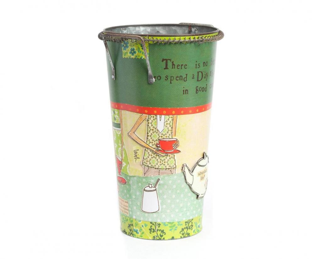 Декоративный цветочный горшок Tea TimeДомашний сад<br>Яркий декоративный горшок Tea Time сделает <br>ваш комнатный цветок еще красивее и изысканнее. <br>Благодаря цветному рисунку, который нанесён <br>на оловянное основание аксессуара, любая <br>комната преобразится, станет еще уютнее <br>и теплее. Удобные небольшие ручки помогут <br>без труда перенести элемент декора в любое <br>необходимое вам место. Горшок можно приобрести <br>отдельно или в комплекте с изделием той <br>же коллекции — горшком Сampaign.<br><br>Цвет: Разноцветный<br>Материал: Металл<br>Вес кг: 0,4<br>Длина см: 16<br>Ширина см: 16<br>Высота см: 28