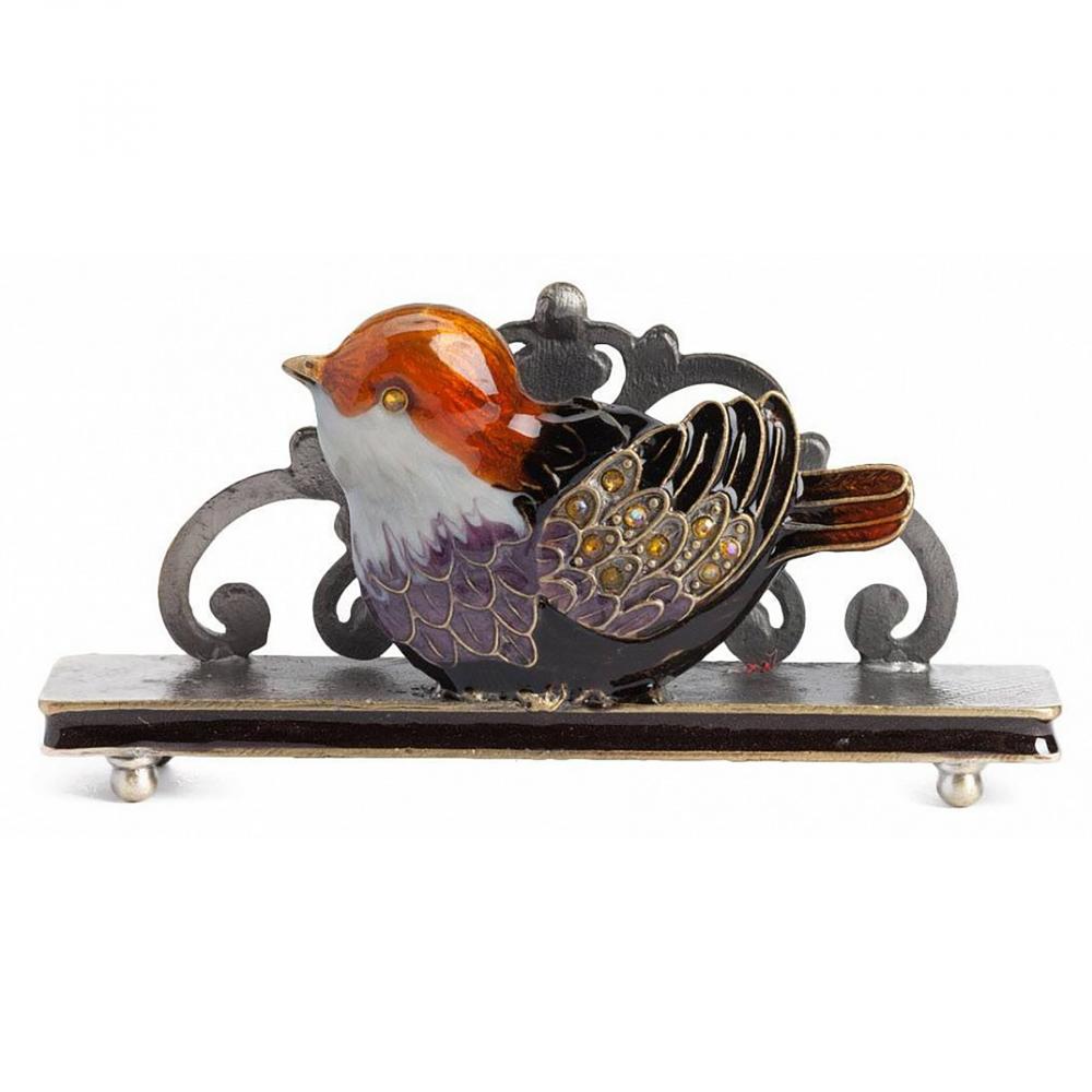Держатель для визиток Little Bird ОранжевыйДекор для дома<br>Визитница Little Orangen Bird поможет визитным <br>карточкам занять свое удобное место на <br>вашем рабочем столе. Элемент декора выполнен <br>в лучших традициях стиля Прованс, однако <br>имеет яркие элементы, как бы оживляющие <br>и привносящие изюминку в оформление аксессуара. <br>Это придаёт ему еще больше очарования и <br>шарма. Визитница придется по вкусу каждому <br>деловому человеку. Теперь ваши визитки <br>будут храниться в одном месте и не потеряются.<br><br>Цвет: Оранжевый<br>Материал: Металл<br>Вес кг: 0,1<br>Длина см: 9<br>Ширина см: 4<br>Высота см: 6