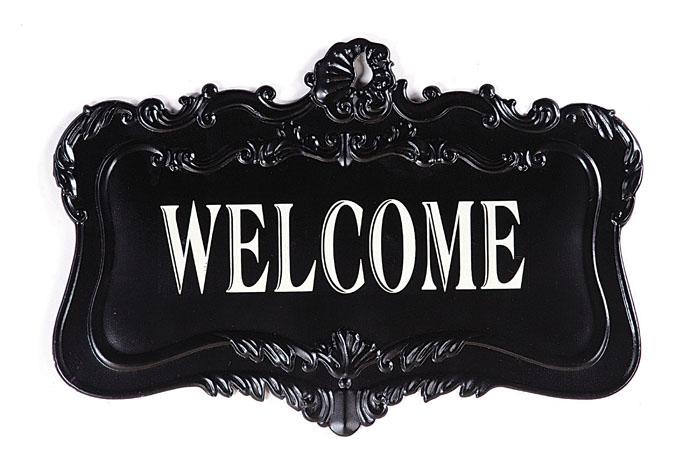 Табличка ChalkboardДекор стен<br>Табличка на дверь Chalkboard с надписью Welcome <br>(Добро пожаловать!) — это оригинальный и <br>забавный, но в то же время стильный и модный <br>способ украсить ваш дом, добавить «изюминку» <br>в оформление помещения. Аксессуар изготовлен <br>из высококачественного материала, что гарантирует <br>его долговременное использование. Белая <br>надпись на чёрной поверхности таблички <br>позволяет разбавить как классический интерьер <br>в стиле Прованс, так и современный. Безусловно, <br>это необходимая вещь для хозяев, желающих <br>оказать теплый прием своим гостям в своем <br>доме и прекрасный подарок на новоселов.<br><br>Цвет: черный<br>Материал: Металл<br>Вес кг: 0,7<br>Высота см: 44