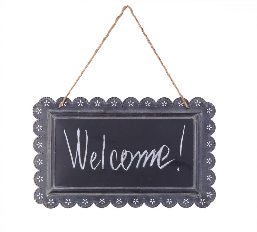 Табличка на веревочке ChalkboardДекор стен<br>Табличка на веревочке Chalkboard с надписью <br>Welcome (Добро пожаловать!) — это оригинальный <br>и забавный, но в то же время стильный и модный <br>способ украсить ваш дом, добавить «изюминку» <br>в оформление помещения. Аксессуар изготовлен <br>из прочного металла, что гарантирует его <br>долговременное использование. Белая надпись <br>на темно-серой поверхности таблички позволяет <br>разбавить как классический интерьер в стиле <br>Прованс, так и современный. Безусловно, <br>это необходимая вещь для хозяев, желающих <br>оказать теплый прием своим гостям в своем <br>доме и прекрасный подарок на новоселов.<br><br>Цвет: Серый, Белый<br>Материал: Металл<br>Вес кг: 0,3<br>Длина см: 39<br>Ширина см: 2<br>Высота см: 20