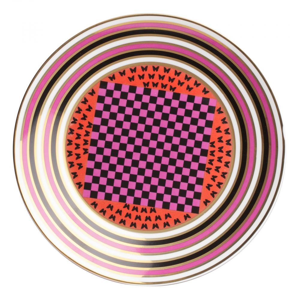 Тарелка Eclectic (23*23*2)Тарелки<br>Яркая тарелка Eclectic I изготовлена из грубой <br>керамики, декорирована трехцветным орнаментом. <br>Тарелку можно приобрести отдельно или в <br>комплекте с другими столовыми предметами <br>из коллекции.<br><br>Цвет: Орнамент<br>Материал: Грубая керамика<br>Вес кг: 0,2<br>Длина см: 23<br>Ширина см: 23<br>Высота см: 2