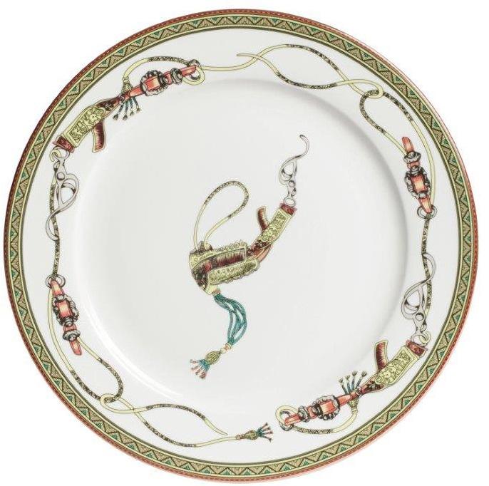 Блюдо Empire ClairБлюда<br>Керамическое блюдо Empire Clair с разноцветной <br>декоративной отделкой поверхности достойно <br>украсит интерьер, став изысканным и антикварным <br>элементом декора. Блюдо отличается оригинальным <br>дизайном, необычным разноцветным узором <br>и тонкой красивой отделкой краев. Такой <br>предмет будет стильно и эстетично смотреться, <br>как на полке буфета, так и на стене. Блюдо <br>можно приобрести отдельно, а также совместно <br>с другими предметами коллекции Empire.<br><br>Цвет: Разноцветный<br>Материал: Грубая керамика<br>Вес кг: 0,5<br>Длина см: 27<br>Ширина см: 27<br>Высота см: 2