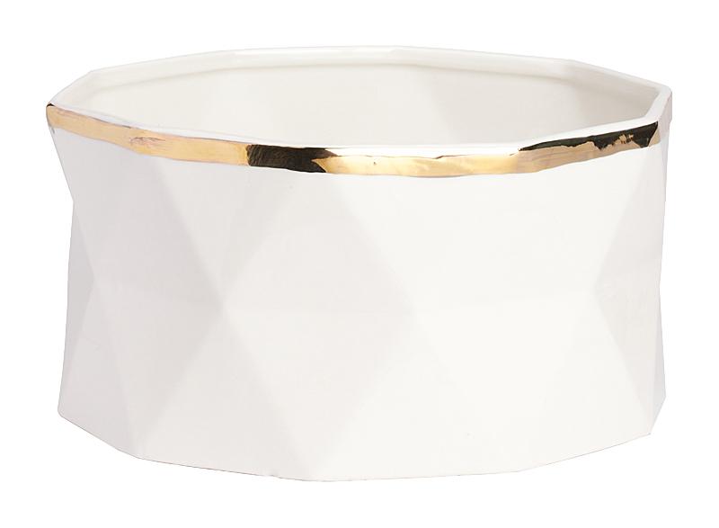 Декоративная ваза Allure Gold BigВазы<br>Декоративная ваза Allure Gold Big — это многофункциональный <br>элемент декора, который может выступать <br>самостоятельно или быть частью цветочной <br>композиции. Аксессуар имеет весьма оригинальную <br>форму и изысканную золотистую окантовку, <br>поэтому прекрасно будет дополнять интерьер <br>без наличия букетов. Однако если украсить <br>такую вазу живыми цветами, то она лишь подчеркнет <br>их свежесть и добавит комнате уюта, тепла <br>и роскоши. В коллекции Allure представлен довольно <br>широкий выбор декоративных ваз, на любой, <br>самый изысканный вкус. Выбирайте себе или <br>в подарок!<br><br>Цвет: Белый, Золото<br>Материал: Керамика<br>Вес кг: 1,6<br>Длина см: 25<br>Ширина см: 25<br>Высота см: 13