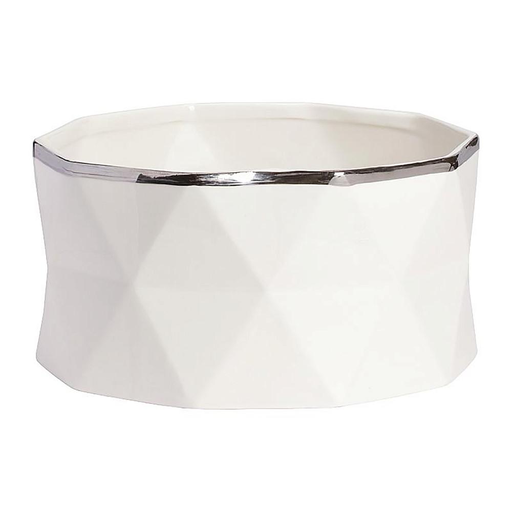 Декоративная ваза Allure Silver BigВазы<br>Аксессуары — это изюминка любого классического <br>или современного интерьера, которые делают <br>его неповторимым и помогают заиграть по-новому. <br>Декоративная ваза Allure Silver Big может выполнять <br>не только эстетическую, но и практическую <br>функцию: в таком предмете декора любые цветы <br>будут смотреться еще роскошнее и свежее. <br>Аксессуар изготовлен из керамики и имеет <br>весьма оригинальный дизайн. Ваза непременно <br>украсит ваш дом. Выбирайте себе или в подарок!<br><br>Цвет: белый, серебро<br>Материал: Керамика<br>Вес кг: 1,6<br>Длина см: 25<br>Ширина см: 25<br>Высота см: 13