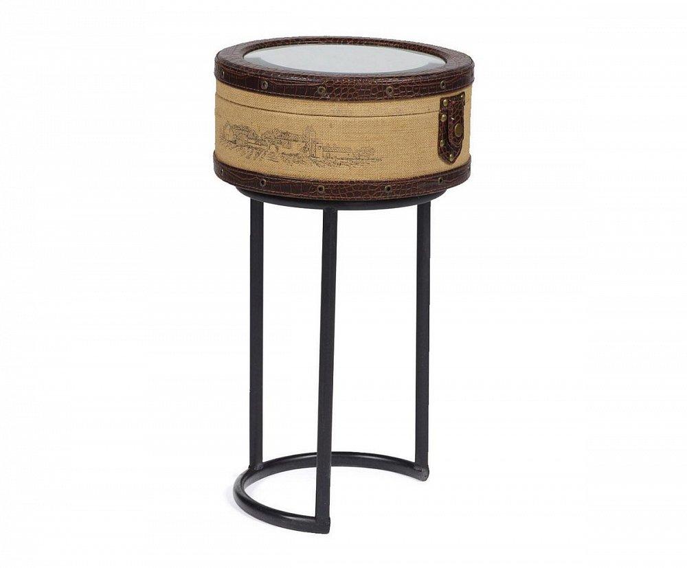 Придиванный круглый столик Molto Bene Medio, DG-F-TBL66BКофейные и журнальные столы<br>Придиванный круглый столик Molto Bene Medio благодаря оригинальному дизайнерскому решению — неповторимый и изысканный предмет мебели. Каждая его деталь говорит об уникальности этого аксессуара: зеркальная круглая столешница, вместительный ящик под ней, оригинальные ножки, винтажный замок и окантовка с заклепками. Такой стол непременно станет украшением любой комнаты, оформленной как в стиле Шебби шик, так и в любом другом.<br><br>Цвет: Бежевый, Коричневый, Чёрный<br>Материал: Металл, МДФ, Зеркало<br>Вес кг: 18.7<br>Длинна см: 38,5<br>Ширина см: 38,5<br>Высота см: 69
