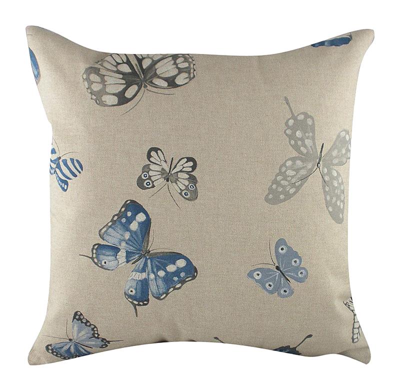 Подушка с бабочками Blue ButterfliesПодушки<br>Воздушные белые и голубые бабочки, парящие <br>на этой декоративной подушке, внесут в вашу <br>комнату ощущение пространства и легкости, <br>а бледно-голубой цвет и перламутровые оттенки <br>серого позволят аксессуару волшебным образом <br>преобразить любой интерьер. Подушка также <br>будет отличным сувениром и оригинальным <br>подарком.<br><br>Цвет: разноцветный, бежевый<br>Материал: Наполнитель - 100% полиэстер, чехол для подушки <br>Вес кг: 0,4<br>Длина см: 43<br>Ширина см: 43<br>Высота см: 10