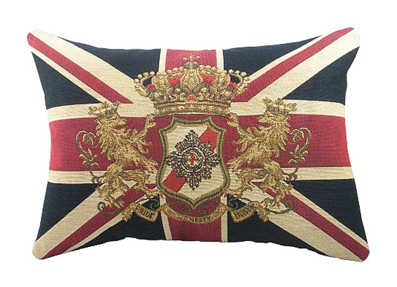 Большая королевская подушка с британским Подушки<br>Британский флаг с гербом на декоративной <br>подушке — дизайнерское решение для тонких <br>ценителей британской культуры и просто <br>современных конформистов. Символы английской <br>государственности займут особое место <br>в вашем интерьере и станут своеобразной <br>изюминкой любого дизайна. Подушка также <br>будет отличным сувениром и оригинальным <br>подарком любителю английского стиля..<br><br>Цвет: Синий, Красный<br>Материал: Полиэстер, Хлопок<br>Вес кг: 0,5<br>Длина см: 46<br>Ширина см: 66<br>Высота см: 10