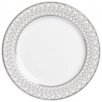 Тарелка Geometria SmallТарелки<br>Тарелка классической формы изготовлена <br>из фарфора белого цвета с нанесением по <br>краю геометрического орнамента в сером <br>цвете. Тарелка декорирована весьма элегантно, <br>и заслуживает внимания покупателей. Тарелку <br>можно приобрести отдельно или в комплекте <br>с другими столовыми предметами из серии.<br><br>Цвет: белый\серый<br>Материал: Китайский фарфор<br>Вес кг: 0,4<br>Длина см: 20<br>Ширина см: 20<br>Высота см: 1