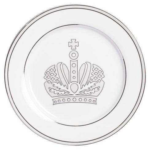 Тарелка QueenТарелки<br>Тарелка изготовлена из высококачественного <br>белого фарфора. По краю тарелки проходит <br>окантовка, дно украшено великолепно прорисованной <br>короной в светло-сером цвете. Тарелка декорирована <br>весьма элегантно, и заслуживает внимания <br>покупателей.<br><br>Цвет: белый\серый<br>Материал: Китайский фарфор<br>Вес кг: 0,2<br>Длина см: 20<br>Ширина см: 20<br>Высота см: 1