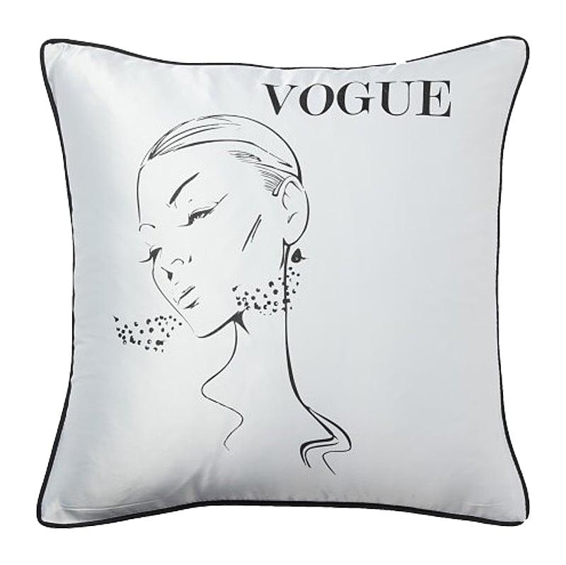 Подушка с надписью Vogue, DG-D-PL35WПодушки<br>Квадратная белая подушка, покрыта хлопковой тканью с надписью Vogue и воздушным изображением красивой девушки, с мягким наполнителем, отлично подойдет для отдыха, вполне уместна для подарка.<br><br>Цвет: Белый<br>Материал: 65% хлопок, 35% полиэстер<br>Вес кг: 0.4<br>Длинна см: 45<br>Ширина см: 45<br>Высота см: 12