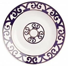Тарелка для супа Violet DreamsТарелки<br>Классическая суповая тарелка серии «Violet <br>Dreams» выполнена из тончайшего костяного <br>фарфора и украшена оригинальным восточным <br>орнаментом в темно-фиолетовых тонах. Она <br>великолепно смотрится как самостоятельный <br>предмет сервировки, а также в сочетании <br>с другими изделиями серии «Фиолетовые сны».<br><br>Цвет: Белый, Фиолетовый<br>Материал: Костяной фарфор<br>Вес кг: 0,2<br>Длина см: 21<br>Ширина см: 21<br>Высота см: 1,5