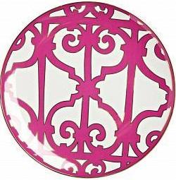Тарелка Sienna БольшаяТарелки<br>Великолепная тарелка из костяного фарфора <br>коллекции «Sienna» украшена оригинальным <br>рисунком насыщенного лилового цвета. Сочетание <br>белоснежного фарфора и яркого орнамента <br>придает изделию нарядный и торжественный <br>вид. Тарелка предназначена для вторых блюд, <br>закусок и салатов. Она идеально подходит <br>для праздничной сервировки. Вы можете приобрести <br>ее отдельно или вместе с другими предметами <br>серии.<br><br>Цвет: Белый, Розовый<br>Материал: Костяной фарфор<br>Вес кг: 0,3<br>Длина см: 26<br>Ширина см: 26<br>Высота см: 1,5