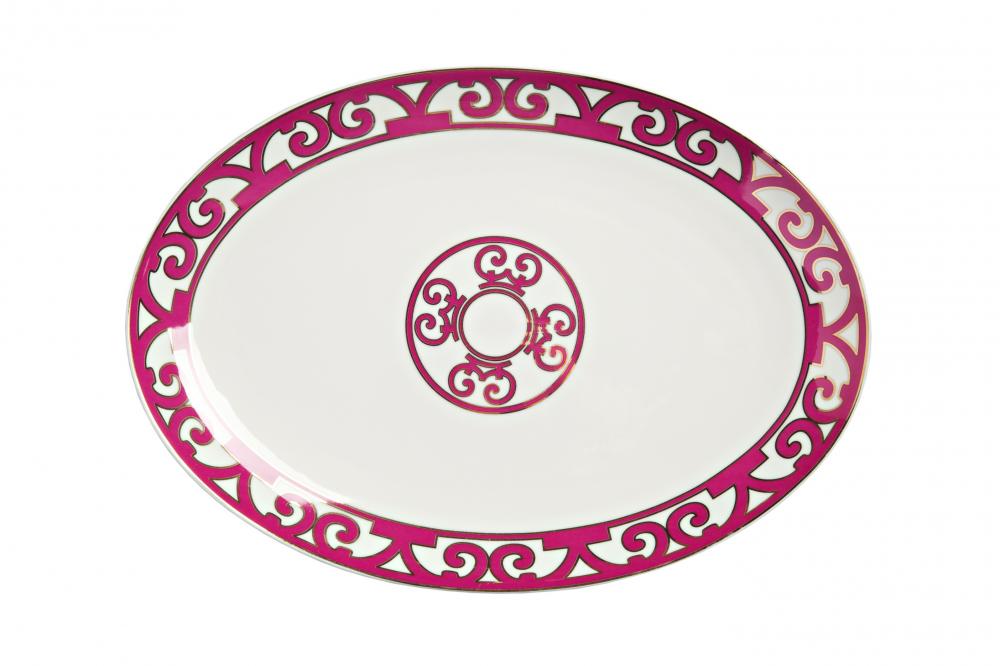 Овальное блюдо Sienna БольшоеБлюда<br>Большое овальное блюдо коллекции «Sienna» <br>выполнено из изысканного костяного фарфора <br>и украшено контрастным лиловым узором в <br>стиле модерн (moderne) и солярным символом в <br>центре. Блюдо предназначается для подачи <br>разнообразных салатов, закусок и нарезок. <br>Вы можете приобрести изделие отдельно либо <br>в комплекте с другими предметами коллекции <br>«Sienna».<br><br>Цвет: Белый, Розовый<br>Материал: Костяной фарфор<br>Вес кг: 0,3<br>Длина см: 36<br>Ширина см: 36<br>Высота см: 1,5
