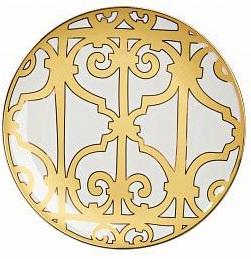 Блюдо MarbellaБлюда<br>Изысканная тарелка из костяного фарфора <br>предназначена для главных блюд, салатов <br>и закусок. Коллекция «Marbella» — это сочетание <br>тончайшего полупрозрачного фарфора с элегантным <br>золотистым орнаментом в стиле модерн (moderne). <br>Тарелка идеально подходит для праздничной <br>сервировки. Вы можете приобрести ее отдельно <br>или вместе с другими предметами серии.<br><br>Цвет: Белый, желтый<br>Материал: Костяной фарфор<br>Вес кг: 0,4<br>Длина см: 31<br>Ширина см: 31<br>Высота см: 1,5