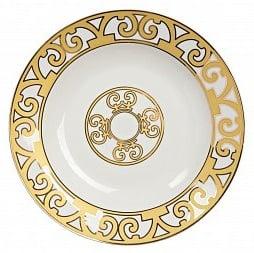 Тарелка для супа MarbellaТарелки<br>Великолепная тарелка для супа из костяного <br>фарфора серии «Marbella» придется по вкусу <br>ценителям элегантной роскоши. Выполненная <br>из полупрозрачного белоснежного фарфора, <br>тарелка украшена золотым орнаментом в стиле <br>модерн (moderne). Изысканная окантовка дополнена <br>солярным символом в центре изделия. Вы можете <br>приобрести эту тарелку отдельно или в комплекте <br>с другими предметами серии «Marbella».<br><br>Цвет: Белый, желтый<br>Материал: Костяной фарфор<br>Вес кг: 0,2<br>Длина см: 21<br>Ширина см: 21<br>Высота см: 1,5