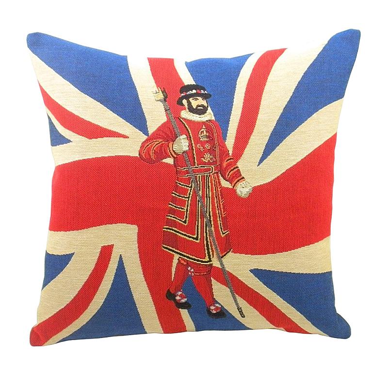 Подушка с британским флагом BeefeaterПодушки<br>Подушка с британским флагом и лейб-гвардейцем <br>Beefeater — квадратной формы, из 100% хлопка. Мягкий <br>и упругий наполнитель, хорошо поддерживает <br>спину, помогает расслабиться и принять <br>удобную позу, обеспечивает крепкий сон. <br>Подушка также будет отличным сувениром <br>и оригинальным подарком для любителя английскй <br>атрибутики.<br><br>Цвет: Синий, Красный, Золото<br>Материал: Наполнитель - 100% полиэстер, чехол для подушки <br>Вес кг: 0,4<br>Длина см: 46<br>Ширина см: 46<br>Высота см: 10