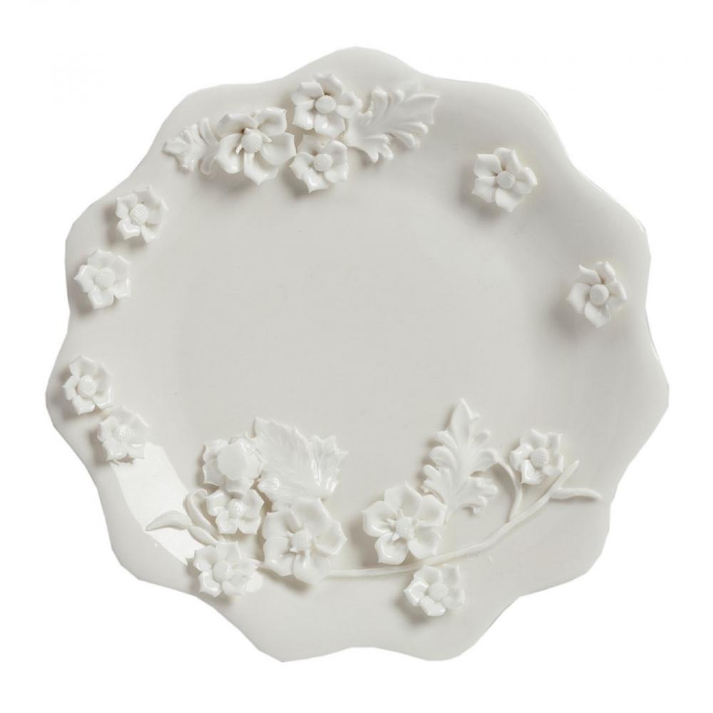 Большая тарелка BlumeТарелки<br>Выполненная из грубой керамики большая <br>тарелка Blume в стиле Прованс диаметром 30 <br>см, декорированная изящной цветочной лепниной, <br>предающая ей особую элегантность. Благодаря <br>этому тарелка может стать самостоятельным <br>элементом интерьера кухни или столовой <br>и украсит любой интерьер.<br><br>Цвет: Белый<br>Материал: Грубая керамика<br>Вес кг: 0,7<br>Длина см: 30<br>Ширина см: 30<br>Высота см: 2,5