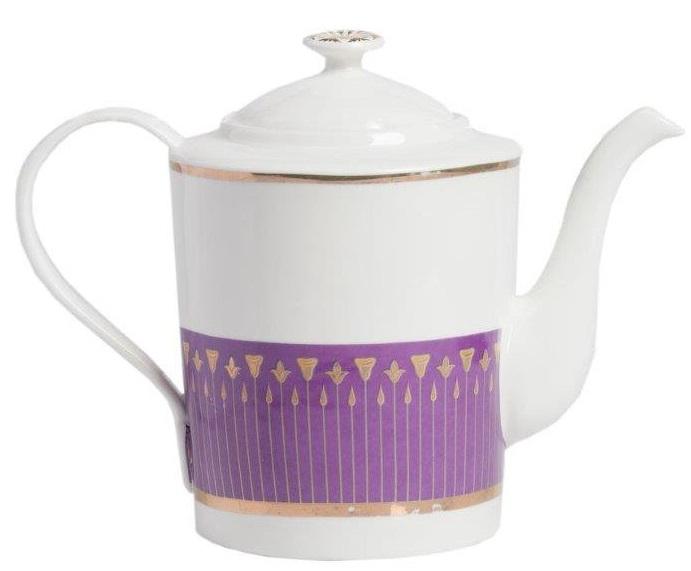 Заварной чайник AcianoЧайники<br>Заварной чайник Aciano выполнен из керамики <br>в белом цвете. Нижняя половина чайника декорирована <br>геометрическим орнаментом фиолетового <br>цвета. Декор красиво согласован с формой <br>чайника, создан по законам красоты, рассчитан <br>на художественный эффект.<br><br>Цвет: Фиолетовый, Белый<br>Материал: Костяной фарфор<br>Вес кг: 0,4<br>Длина см: 24<br>Ширина см: 24<br>Высота см: 20
