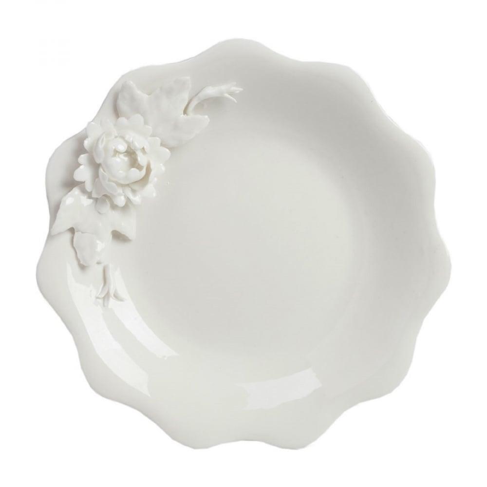 Тарелка ReicheТарелки<br>Изящная посуда классического стиля подойдет <br>для всех и каждого и будет служить вам долгие <br>годы. Тарелка из коллекции Reiche выполнена <br>из белого костяного фарфора и отличается <br>волнообразной формой. На тарелке сбоку <br>расположен цветок также из керамики. Это <br>блюдо создает впечатление легкости за счёт <br>своей изящной формы и наполняет дом красотой <br>и оригинальностью. Тарелка может стать <br>замечательным подарком как в отдельном <br>варианте, так и с чем-то из коллекции. Кстати, <br>её можно использовать и в посудомоечной <br>машине, и в микроволновой печи — тарелка <br>легко выдерживает высокие температуры. <br>Всё для вашего удобства и домашнего уюта!<br><br>Цвет: Белый<br>Материал: Грубая керамика<br>Вес кг: 0,4<br>Длина см: 15<br>Ширина см: 15<br>Высота см: 0,7