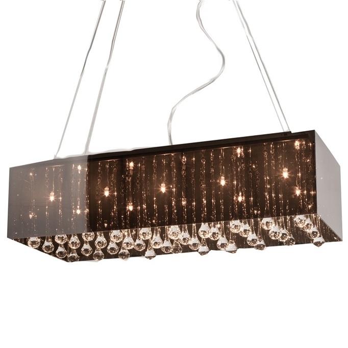 Люстра ParalumeЛюстры<br>Люстра Paralume сочетает в себе современность <br>и архаичность, изысканность и жесткость, <br>яркость и сдержанность. Акриловое основание <br>тёмных цветов и хрустальные подвесные элементы, <br>за которыми скрыты лампы, дадут превосходный <br>приглушенный свет, достаточный для комфортного <br>времяпрепровождения в помещении. При этом <br>аксессуар удачно впишется в комнату, оформленную <br>в любом современном стиле. Предназначена <br>для использования со светодиодными лампами. <br>Длина провода 70 см.<br><br>Цвет: Чёрный<br>Материал: Металл, Акрил, Хрусталь<br>Вес кг: 3,1<br>Длина см: 70<br>Ширина см: 30<br>Высота см: 20
