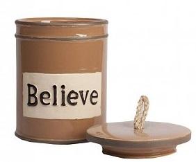 Емкость для хранения BelieveКухонные принадлежности<br>Ёмкость для хранения Believe — это оригинальный, <br>современный и стильный предмет декорирования <br>кухни, который непременно придется по вкусу <br>каждой хозяйке. Банка имеет весьма простую <br>форму, однако детали — надпись на поверхности <br>Believe (Верить) и ручка на крышке из бечевки <br>— придают особый шарм аксессуару. Ёмкость <br>идеально подходит как для украшения помещения, <br>так и для хранения сыпучих продуктов питания, <br>специй и круп.<br><br>Цвет: Коричневый, Бежевый<br>Материал: Керамика<br>Вес кг: 1,3<br>Длина см: 15<br>Ширина см: 15<br>Высота см: 20,5