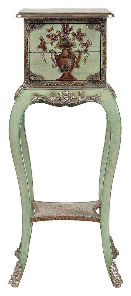 Тумбочка Roussillon DG-HOME Тумбочка Roussillon относится к коллекции Le  Chic Parisien и чаще всего становится выбором  ценителей экстравагантных и необычных  вещей. Своим новым приобретением вы заставите  своих друзей вам завидовать и очаруете  нестандартным дизайном. Тумбочка сделана  из МДФ в актуальной сейчас состаренной  манере, в пастельном зеленом цвете, богато  украшена декоративными элементами: на каждой  стороне находится роспись в виде вазы с  цветами, также по бокам и внизу на ножках  присутствует лепнина в серебристом цвете.  Внизу расположена еще одна расписная поверхность,  которая соединяет все четыре элегантные  ножки, сделанные из березы. Сверху на основании  тумбочки расположены два выдвигающихся  ящика с ярким, привлекающим внимание, рисунком.  Тумбочка Roussillon — это компактное и необычное  решение, которое будет выполнять несколько  функций: это и хранение вещей, и украшение  помещения, придаст элегантности вашей комнате.