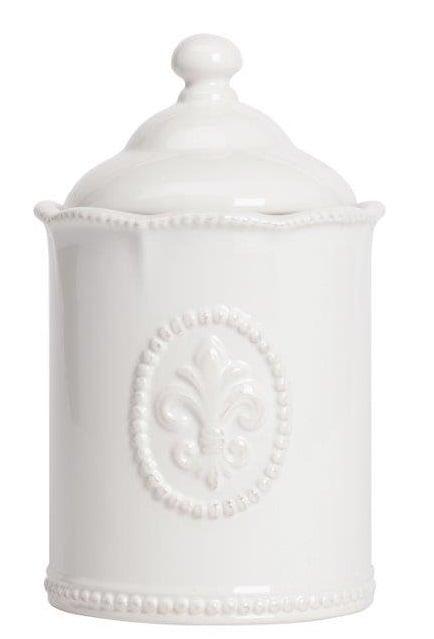 Емкость для хранения Tess Grande CreamКухонные принадлежности<br>Ёмкость для хранения Tess Grande Cream выполнена <br>из керамики, покрыта глазурью белого цвета, <br>декорирована выпуклым рисунком в виде геральдической <br>лилии, изготовлена из совершенно безопасного <br>натурального материала. ёмкость предназначена <br>для хранения сыпучих и жидких продуктов. <br>Впишется в любой стиль интерьера.<br><br>Цвет: Белый<br>Материал: Керамика<br>Вес кг: 1<br>Длина см: 13,97<br>Ширина см: 13,97<br>Высота см: 22,86