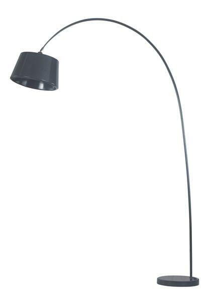 Торшер Foscarini - TwiggyТоршеры и напольные светильники<br>Торшер Foscarini Twiggy из коллекции Contemporary поможет <br>сделать погоду в доме особенно комфортной. <br>Хотя у многих торшеры ассоциируются с провинциальным <br>интерьером 50-70-х годов прошлого столетия, <br>в современной обстановке можно встретить <br>очень интересные и стильные, соответствующие <br>эпохе, светильники «на одной высокой ножке». <br>Даже более того, такие светильники, как <br>торшер Foscarini Twiggy с тканевым черным плафоном, <br>алюминиевой стойкой и мраморным основанием <br>— желанный гость в помещениях с современным <br>и минималистическим дизайном. Мобильная <br>и функциональная модель послужит источником <br>освещения для зоны досуга, в которой так <br>приятно почитать, заняться рукоделием или <br>развернуть с младшим поколением игровые <br>баталии. Как уже было выше сказано — торшер <br>Foscarini Twiggy будет отличной деталью, подчеркивающей <br>современный стиль и стиль минимализма. <br>Но, не взирая на легкость его адаптации <br>к стилям, он все же будет ярким акцентом <br>дизайна.<br><br>Цвет: Чёрный<br>Материал: Ткань, Металл, Мрамор<br>Вес кг: 14,5<br>Длина см: 40<br>Ширина см: 40<br>Высота см: 216