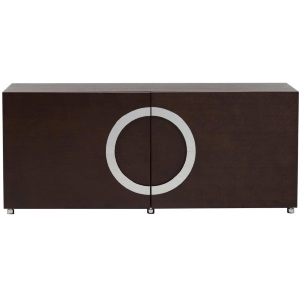 Тумба Fuller BrownТумбочки<br>Элегантная, стильная, лаконичная тумба <br>Fuller с двумя дверцами выполнена из дерева <br>и экологичного МДФ, украшена ручкой в форме <br>круга из хромированного металла. Эта тумба <br>— находка для ценителей современного минимализма <br>в дизайне. Тумба выполнена в монохромной <br>цветовой гамме, она имеет два больших отделения <br>для хранения. Тумба установлена на небольшие, <br>но очень крепкие стальные ножки и может <br>быть использована в качестве подставки <br>для телевизора. Дизайнерская тумба Fuller <br>достаточно универсальный предмет мебели, <br>она будет идеально смотреться в любом помещении: <br>спальне, гостиной, прихожей. Прекрасным <br>дополнением к тумбе Fuller станет небольшая <br>тумбочка Stella, выполненная в таком же стиле. <br>Купите в нашем магазине такой комплект <br>и ваш интерьер заметно преобразится!<br><br>Цвет: Коричневый<br>Материал: МДФ<br>Вес кг: 59<br>Длина см: 150<br>Ширина см: 48,5<br>Высота см: 65