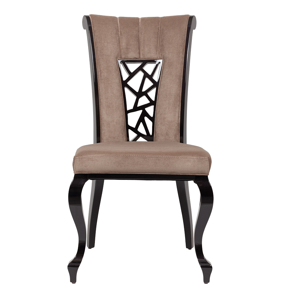 Стул Binari DG-HOME Стул Binari непременно добавит «изюминку»  вашему интерьеру. У него элегантная форма.  Изогнутая спинка и фигурные ножки смотрятся  стильно и утонченно, напоминают о мебели  в аристократических салонах прошедших  эпох. Также особое внимание стоит обратить  на декор спинки стула — узор напоминает  фреску. Стул выполнен в нейтральной бежево-коричневой  гамме. Приобретите стул Binari в нашем магазине  — это прекрасный выбор!