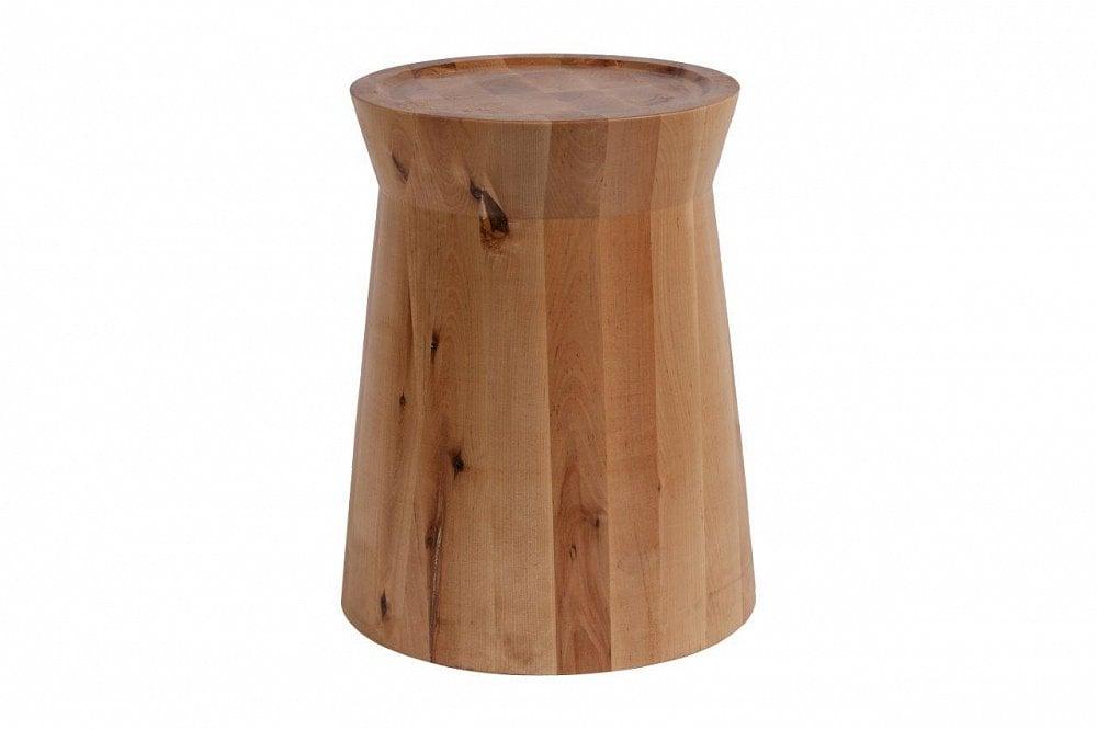 Кофейный столик Shelton Light BrownКофейные и журнальные столы<br>Кофейный столик Shelton выглядит необычно <br>и брутально, но в то же время, он может вписаться <br>и в элегантный интерьер — такой контраст <br>создаст еще более оригинальный стиль. Столик <br>выполнен из березовых брусков, соединенных <br>между собой таким образом, что на столешнице <br>столика образуется геометрический орнамент. <br>Стол имеет округлые формы, он может также <br>использоваться как для сидения, так и в <br>качестве табурета.<br><br>Цвет: Коричневый<br>Материал: Дерево<br>Вес кг: 20<br>Длина см: 34<br>Ширина см: 34<br>Высота см: 45
