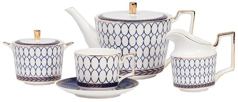 Чайный сервиз GiftЧайные сервизы<br>Очаровательный набор из костяного фарфора <br>превратит ваше чаепитие в приятный ритуал. <br>Он будет элегантно смотреться, как в частном <br>доме, так и в престижном ресторане. Беспроигрышное <br>сочетание белого, темно-синего и золотого <br>цветов придает набору классическую изысканность <br>и благородство. Все изделия набора выполнены <br>в одном стиле и безупречно сочетаются между <br>собой. Сервиз рассчитан на 4 персоны и состоит <br>из чайника, 4 чайных пар (чашка и блюдце), <br>молочника и сахарницы.<br><br>Цвет: Белый, Синий<br>Материал: Костяной фарфор<br>Вес кг: 4<br>Длина см: 41<br>Ширина см: 36<br>Высота см: 18