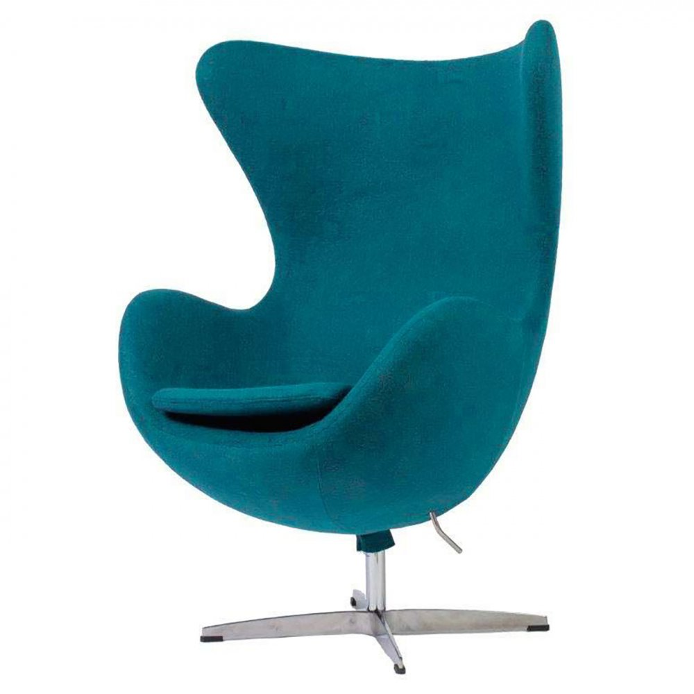 Кресло Egg Chair Аквамариновое 100% ШерстьКресла<br>Кресло Egg Chair (Яйцо) было создано в 1958 году <br>датским дизайнером Арне Якобсеном специально <br>для интерьеров отеля Radisson SAS в Копенгагене. <br>Кресло обладает исключительной привлекательностью <br>и узнаваемостью во всем мире, занимает особое <br>место в ряду культовой дизайнерской мебели <br>XX века. Оно имеет экстравагантную форму, <br>что позволило ему стать совершенным воплощением <br>классики нового времени. Кресло Egg Chair, выполненное <br>в форме яйца, обтянутого 100% шерстяной тканью <br>аквамаринового цвета, подарит огромное <br>множество положительных эмоций и заставляет <br>обращать на него внимание. Оно непременно <br>задаёт основу для дизайна того или иного <br>помещения. Прочный и массивный каркас гарантирует <br>долгий срок службы и устойчивость. Данное <br>кресло — это поистине не стареющая классика <br>в футуристическом исполнении! Купите великолепную <br>реплику кресла Egg Chair — изготовленное из <br>высококачественных материалов, оно понравится <br>многим любителям нестандартного видения <br>обыденных и, притом, качественных вещей.<br><br>Цвет: Аквамарин<br>Материал: Шерсть, Металл<br>Вес кг: 37<br>Длина см: 82<br>Ширина см: 76<br>Высота см: 105