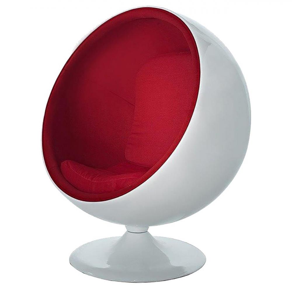 Кресло Eero Ball Chair Бело-красное Шерсть DG-HOME Кресло-шар, или Ball Chair, или же Globe Chair было  создано финским дизайнером Ээро Аарнио  (Eero Aarnio) еще в 1963 году. Оно моментально привлекло  внимание органичным сочетанием экстравагантной  формы и максимальным комфортом уединения.  В современной интерпретации Ball Chair — это  комфортабельный кокон с возможностью встраивания  телефона и аудио-колонок, позволяющий слушать  в нем любимую музыку, читать, работать или  же просто релаксировать. Каркас кресла  изготовлен из стекловолокна. Звукоизоляция  обеспечивается использованием пенообразного  наполнителя. Благодаря прочной металлической  ножке с вращающимся основанием есть возможность  вращения вокруг своей оси на 360 градусов.  Обивка выполнена из контрастирующих с основным  белым цветом шерстяных подушек ярких цетов.  В каталоге нашего магазина представлена  реплика знаменитого кресла-шара в разных  вариантах цвета. Купите кресло-шар Ball Chair  — и ваше стремление к комфорту будет в высшей  степени реализовано!