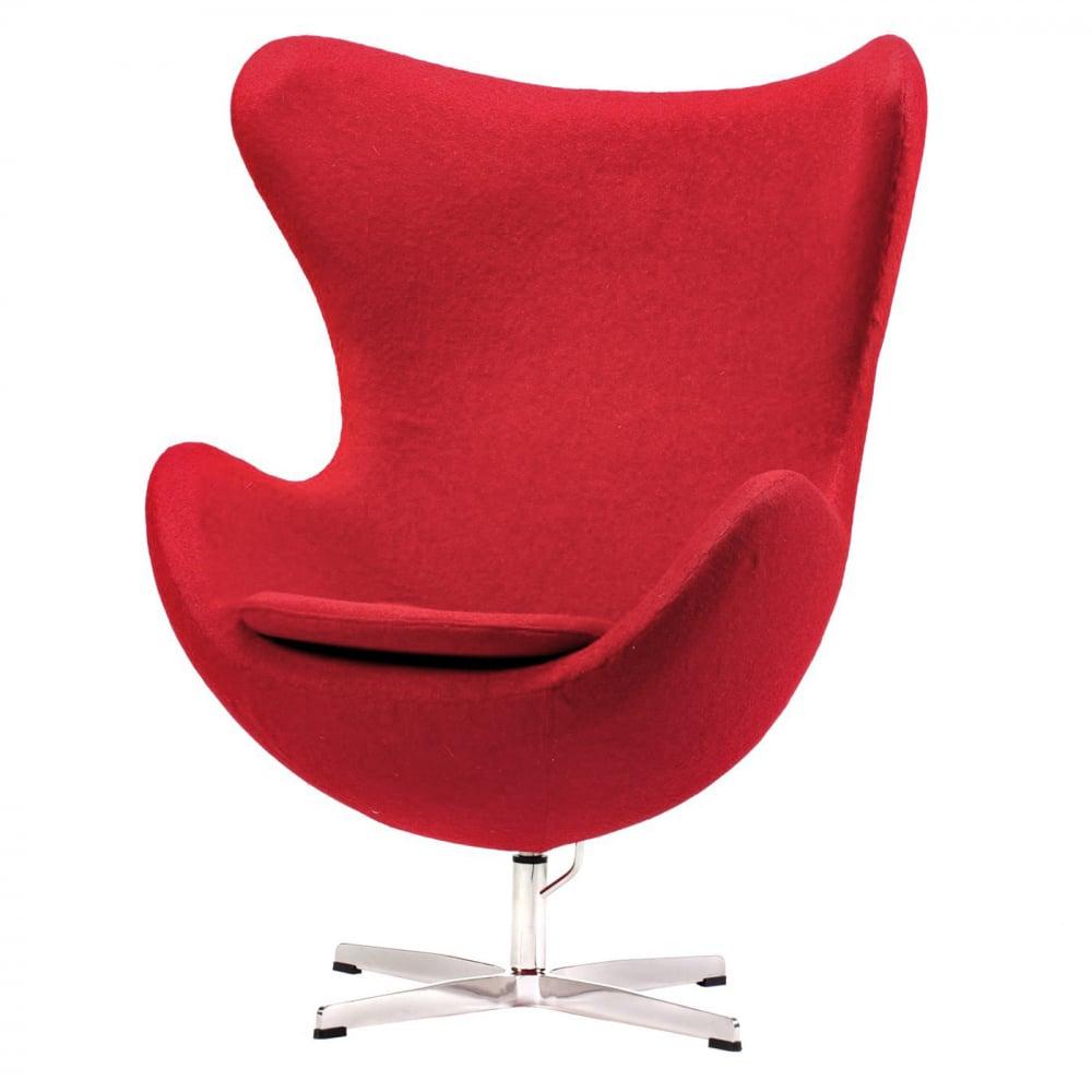 Кресло Egg Chair Красное 100% ШерстьКресла<br>Кресло Egg Chair (Яйцо) было создано в 1958 году <br>датским дизайнером Арне Якобсеном специально <br>для интерьеров отеля Radisson SAS в Копенгагене. <br>Кресло обладает исключительной привлекательностью <br>и узнаваемостью во всем мире, занимает особое <br>место в ряду культовой дизайнерской мебели <br>XX века. Оно имеет экстравагантную форму, <br>что позволило ему стать совершенным воплощением <br>классики нового времени. Кресло Egg Chair, выполненное <br>в форме яйца, обтянутого 100% шерстяной тканью <br>красного цвета, подарит огромное множество <br>положительных эмоций и заставляет обращать <br>на него внимание. Оно непременно задаёт <br>основу для дизайна любого помещения. Прочный <br>и массивный каркас гарантирует долгий срок <br>службы и устойчивость. Данное кресло — <br>это поистине не стареющая классика в футуристическом <br>исполнении! Купите великолепную реплику <br>кресла Egg Chair — изготовленное из высококачественных <br>материалов, оно понравится многим любителям <br>нестандартного видения обыденных и, притом, <br>качественных вещей.<br><br>Цвет: Красный<br>Материал: Шерсть, Металл<br>Вес кг: 37<br>Длина см: 82<br>Ширина см: 76<br>Высота см: 105