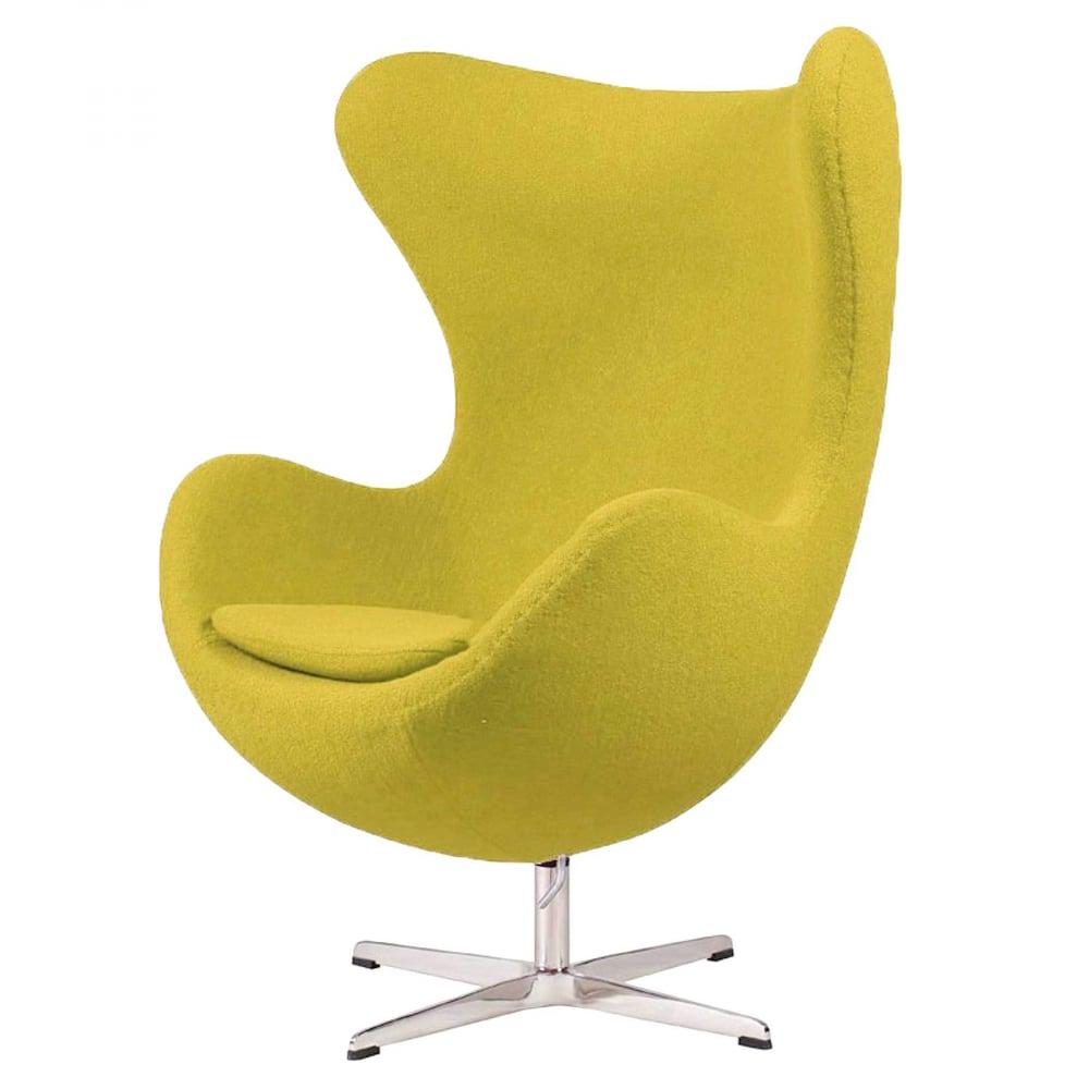 Кресло Egg Chair Оливковое 100% ШерстьКресла<br>Кресло Egg Chair (Яйцо) было создано в 1958 году <br>датским дизайнером Арне Якобсеном специально <br>для интерьеров отеля Radisson SAS в Копенгагене. <br>Кресло обладает исключительной привлекательностью <br>и узнаваемостью во всем мире, занимает особое <br>место в ряду культовой дизайнерской мебели <br>XX века. Оно имеет экстравагантную форму, <br>что позволило ему стать совершенным воплощением <br>классики нового времени. Кресло Egg Chair, выполненное <br>в форме яйца, обтянутого 100% шерстяной тканью <br>оливкового цвета, подарит огромное множество <br>положительных эмоций и заставляет обращать <br>на него внимание. Оно непременно задаёт <br>основу для дизайна любого помещения. Прочный <br>и массивный каркас гарантирует долгий срок <br>службы и устойчивость. Данное кресло — <br>это поистине не стареющая классика в футуристическом <br>исполнении! Купите великолепную реплику <br>кресла Egg Chair — изготовленное из высококачественных <br>материалов, оно понравится многим любителям <br>нестандартного видения обыденных и, притом, <br>качественных вещей.<br><br>Цвет: Зелёный<br>Материал: Шерсть, Металл<br>Вес кг: 37<br>Длина см: 82<br>Ширина см: 76<br>Высота см: 105