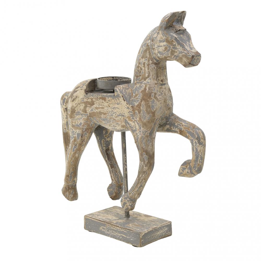 Лошадь Patsy коричневого цвета