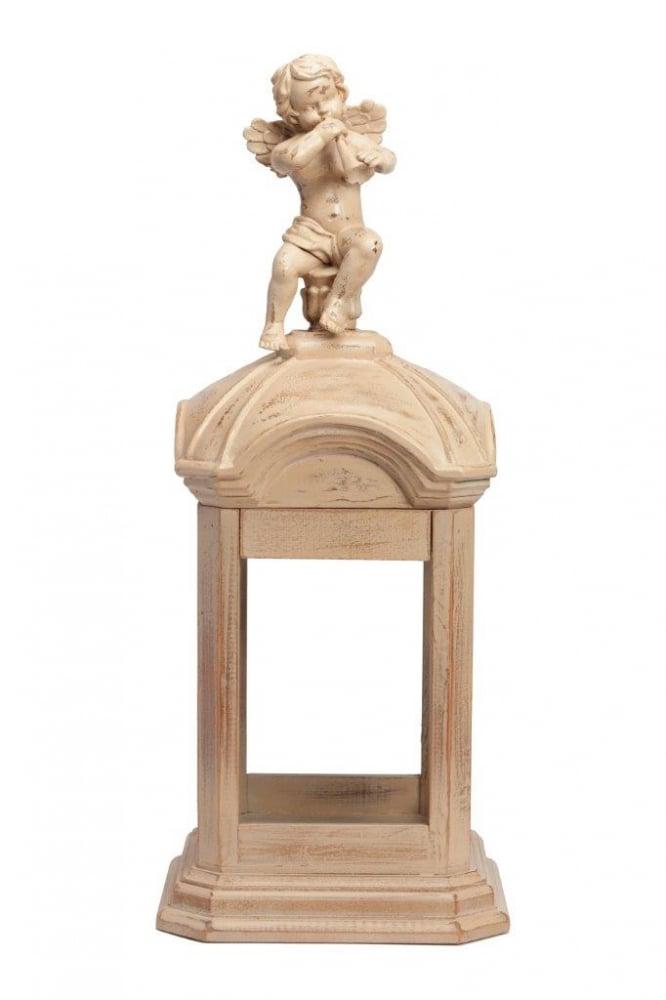 Предмет декора статуэтка ангел MaloryСтатуэтки<br>Элемент декора Malory изготовлен из дерева <br>(ель) в бежеевом цвете. Маленькая фигурка <br>ангелочка, сидящего на крыше беседки и играющего <br>на дудочке, украсит любой стиль интерьера, <br>отлично подойдёт для подарка.<br><br>Цвет: Бежевый<br>Материал: Дерево<br>Вес кг: 3<br>Длина см: 23<br>Ширина см: 23<br>Высота см: 60