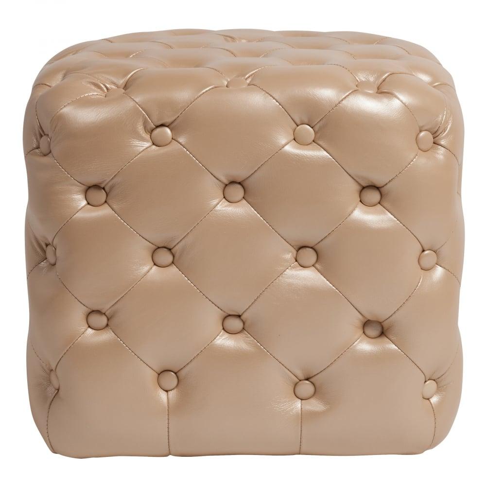Пуф Tutti Бежевый Натуральная КожаПуфы и оттоманки<br>Пуф Tutti Beige — надежный и долговечный вариант <br>с жестким деревянным каркасом, мягким сиденьем <br>из мебельного поролона, выполнен в виде <br>небольшого куба, обивка из натуральной, <br>кремового цвета, кожи в технике капитоне <br>(отделка декоративными кожаными пуговицами), <br>что придает пуфу роскошную викторианскую <br>элегантность.<br><br>Цвет: Бежевый<br>Материал: Кожа, Поролон<br>Вес кг: 8<br>Длина см: 47<br>Ширина см: 47<br>Высота см: 45