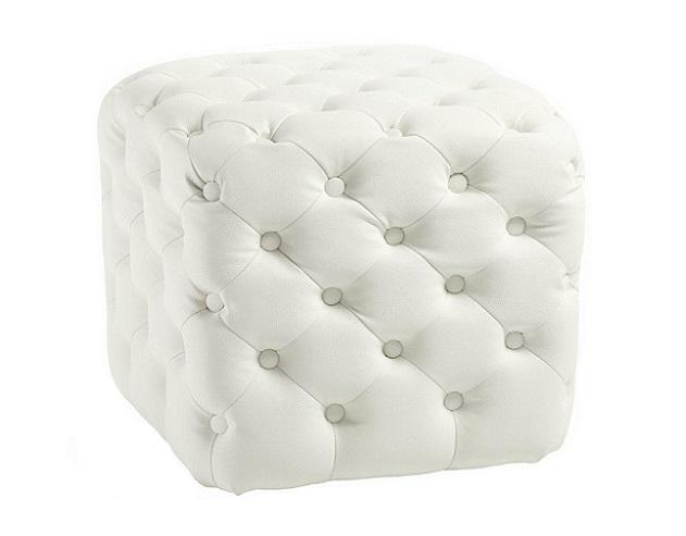 Пуф Tutti Белый ЭкокожаПуфы и оттоманки<br>Пуф Tutti — надежный и долговечный предмет <br>мебели с жестким деревянным каркасом из <br>берёзы, мягким сиденьем из мебельного поролона, <br>выполнен в виде небольшого куба, обивка <br>из белой замши в технике капитоне (с декоративными <br>кожаными пуговицами), что придает пуфу роскошную <br>викторианскую элегантность.<br><br>Цвет: Белый<br>Материал: Дерево, Экокожа<br>Вес кг: 7<br>Длина см: 47<br>Ширина см: 47<br>Высота см: 45