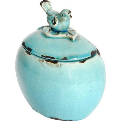 Декоративная банка Furla Blue GrandeКухонные принадлежности<br>Посуда в стиле Прованс обязательно должна <br>быть искусственно состаренной, с трещинками, <br>потертостями, и нести в себе особый дух <br>и отпечаток времени. Керамическая декоративная <br>банка Furla Blue Grandee украсит вашу кухню и придаст <br>ей французский деревенский колорит. Провинциальность <br>чувствуется в каждой детали предмета декора, <br>начиная крышкой с ручкой в виде милой птички <br>и заканчивая формой изделия. Благодаря <br>лаконичному декору, банка станет отличным <br>украшением любого стиля интерьера кухни.<br><br>Цвет: Голубой<br>Материал: Керамика<br>Вес кг: 1<br>Длина см: 16,51<br>Ширина см: 12,7<br>Высота см: 17,78