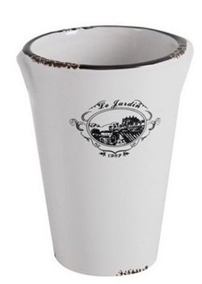 Декоративное кашпо Le Jardin PiccoloДомашний сад<br>Симпатичное декоративное кашпо Le Jardin Piccolo <br>станет прекрасным украшением вашего домашнего <br>сада, оформленного в модном стиле Прованс. <br>Изготовленное из белой керамики с искусственными <br>потертостями и декорированное очаровательным <br>рисунком на деревенскую тему, такой аксессуар <br>займет достойное место в вашем интерьере. <br>Коллекция Le Jardin состоит из двух кашпо разного <br>размера и лейки. Приобретите полный набор <br>— это будет лучший выбор для истинного <br>ценителя прекрасного.<br><br>Цвет: Белый<br>Материал: Керамика<br>Вес кг: 0,4<br>Длина см: 11<br>Ширина см: 11<br>Высота см: 15