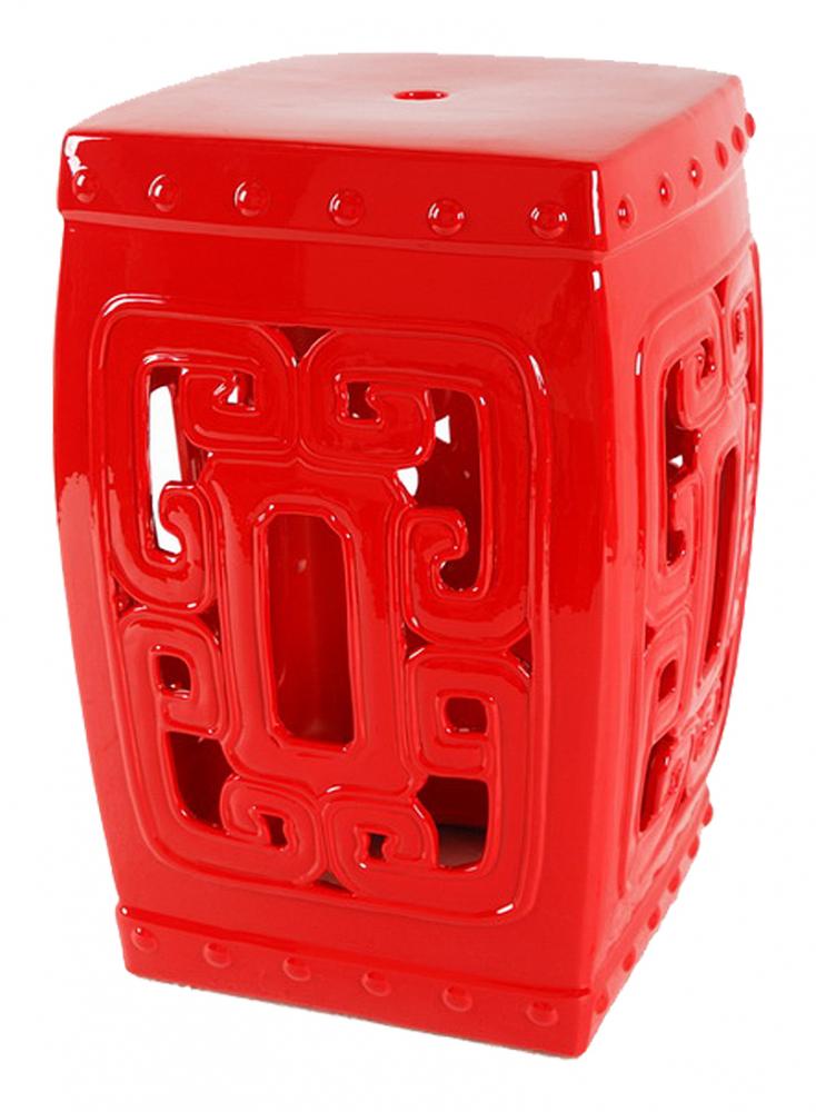 Керамический столик-табурет Oriental Stool Red DG-HOME Это предмет мебели, который удачно сочетает  в себе сразу две функции — его можно использовать  и как стол, и как табурет, в зависимости  от вашего желания. Примечательно, что эта  модель выполнена не из дерева, как следовало  бы ожидать, а из грубой керамики. Столик-табурет  выполнен в сочном красном цвете, имеет небольшие  размеры, столешница и основание квадратной  формы, боковины украшены эффектным орнаментом  восточных мотивов. Такой столик-табурет  будет уместен в интерьере с элементами  стиля модерн, но и, без сомнений, удачно  впишется в интерьеры самых разных стилей.  Хотите больше приятных эмоций — купите  столь необычный и яркий предмет для своего  интерьера.