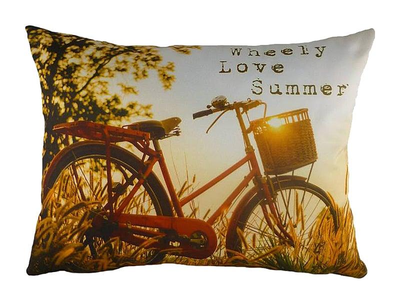 Подушка с принтом Wheely LoveПодушки<br>Эта небольшая диванная подушка из полиэстера <br>всегда будет напоминать о знойном лете, <br>золотых полях и деревьях, сгибающихся под <br>тяжестью своих плодов. Самое летнее развлечение <br>— неспешная велосипедная прогулка! Не забудьте <br>установить корзинку для сладкой фруктовой <br>добычи. Вы улыбнулись воспоминаниям? Лето <br>на подушке WHEELY LOVE всегда будет с вами!<br><br>Цвет: Жёлтый, Красный<br>Материал: Полиэстер, Хлопок<br>Вес кг: 0,5<br>Длина см: 43<br>Ширина см: 33<br>Высота см: 6