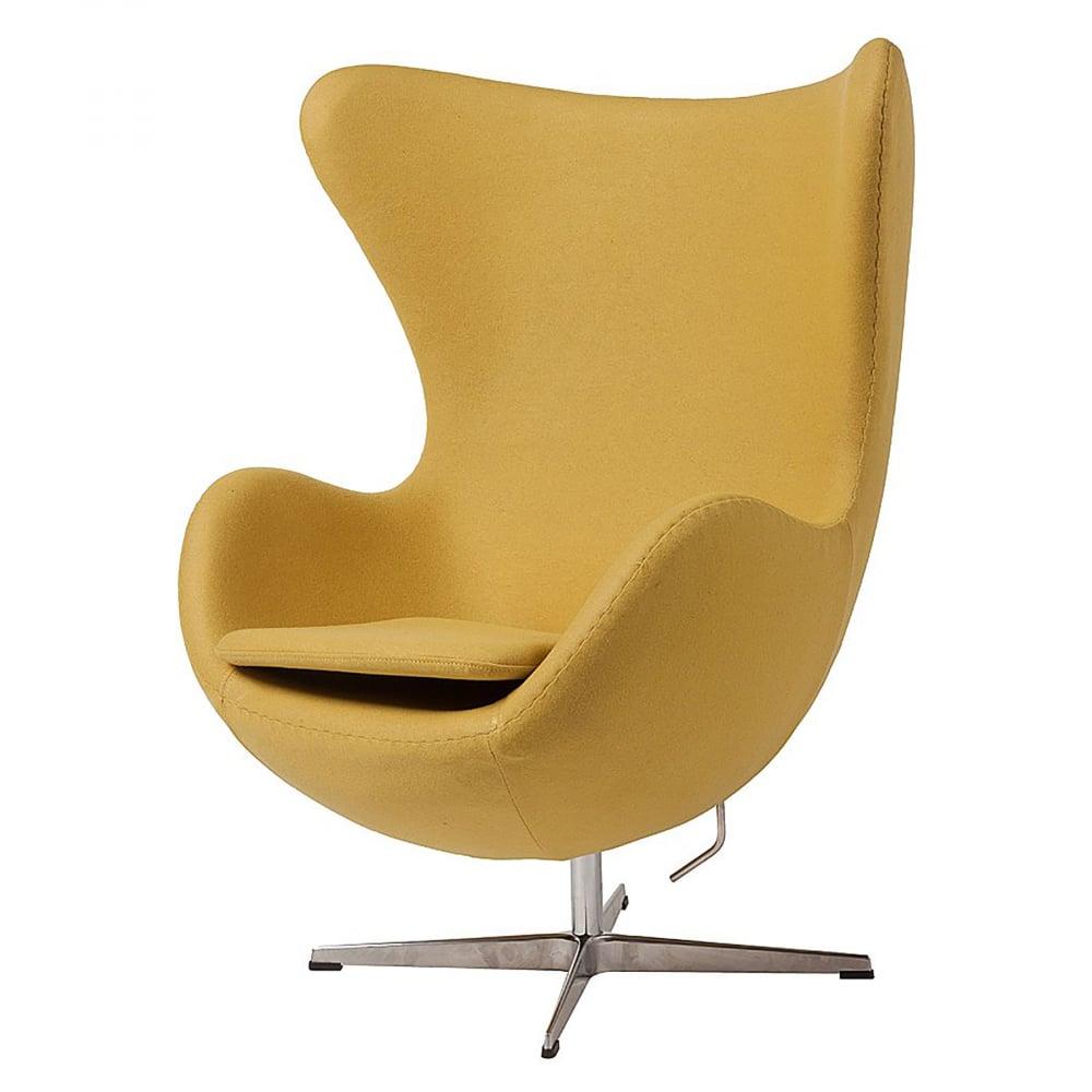 Кресло Egg Chair Жёлтое 100% КашемирКресла<br>Кресло Egg Chair (Яйцо) было создано в 1958 году <br>датским дизайнером Арне Якобсеном специально <br>для интерьеров отеля Radisson SAS в Копенгагене. <br>Кресло обладает исключительной привлекательностью <br>и узнаваемостью во всем мире, занимает особое <br>место в ряду культовой дизайнерской мебели <br>XX века. Оно имеет экстравагантную форму <br>и неординарное исполнение, что позволило <br>ему стать совершенным воплощением классики <br>нового времени. Кресло Egg Chair, выполненное <br>в форме яйца, подарит огромное множество <br>положительных эмоций и заставляет обращать <br>на него внимание. Оно непременно задаёт <br>основу для дизайна того или иного помещения. <br>Прочный каркас из стекловолокна, обтянутый <br>100% кашемировой тканью жёлтого цвета, закрепленный <br>на ножке из нержавеющей стали, гарантирует <br>долгий срок службы и устойчивость. Купите <br>великолепную реплику кресла Egg Chair — изготовленное <br>из высококачественных материалов, оно понравится <br>многим любителям нестандартного видения <br>обыденных и, притом, качественных вещей.<br><br>Цвет: Жёлтый<br>Материал: Кашемир, Металл<br>Вес кг: 37<br>Длина см: 82<br>Ширина см: 76<br>Высота см: 105