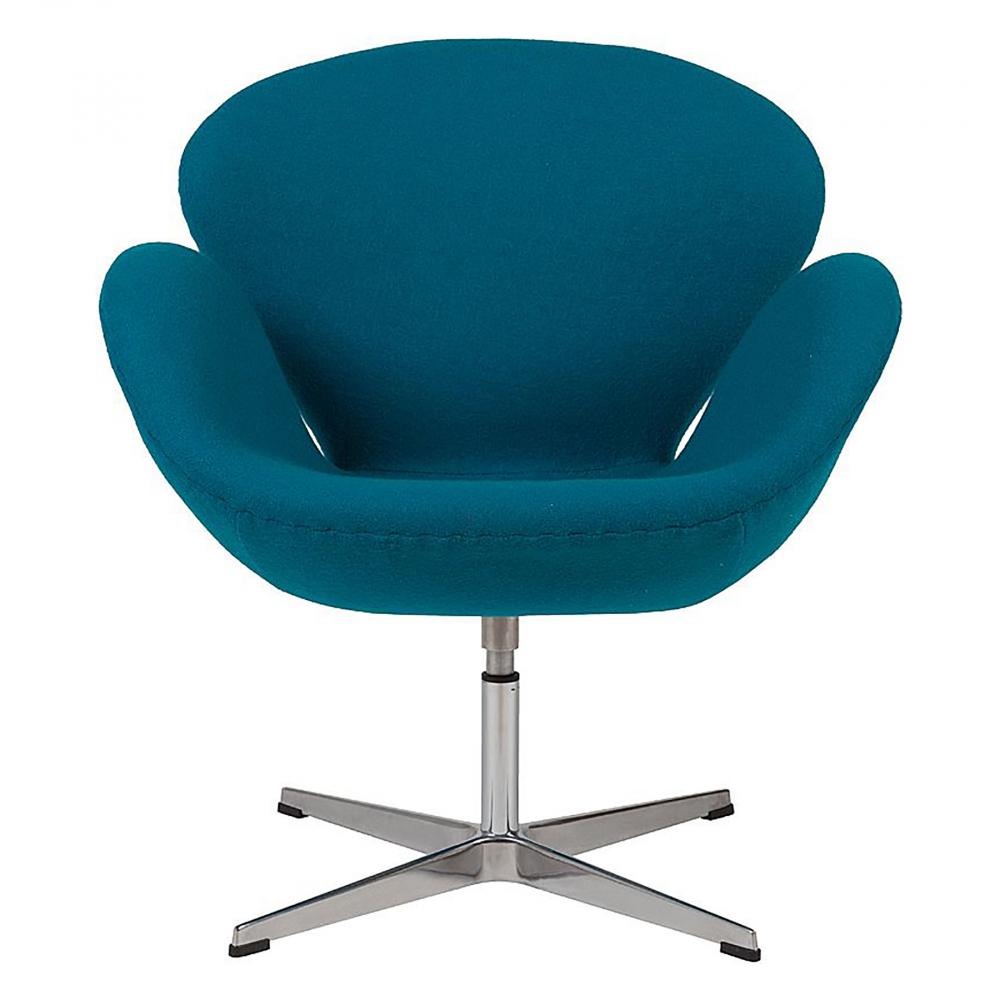 Кресло Swan Chair Темно-голубая ШерстьКресла<br>Кресло Swan Chair (Лебедь), созданное датским <br>дизайнером Арне Якобсеном (Arne Jacobsen) в 1958 <br>г., стало настоящей сенсацией для своего <br>времени, было достаточно инновационным, <br>т.к. вместо прямых линий предпочтение было <br>отдано округлым формам. Мебель этого дизайнера <br>давно вошла в историю мебелестроения и <br>стало шедевром, мировым достоянием искусства. <br>Элегантная анатомическая форма и небольшие <br>размеры делают его привлекательным элементом <br>оформления любого интерьера и по сей день. <br>Небольшое, но очень уютное кресло смотрится <br>современно и украсит гостиную или рабочий <br>кабинет. Идеально сочетается с предметами <br>мебели в стиле хай-тек. Каркас кресла представляет <br>собой литую раковину из стекловолокна, <br>покрытую пенополиуретаном. Сидение крепится <br>на вращающемся крестообразном основании <br>из нержавеющей стали. Обивка кресла сделана <br>из шерстяной ткани тёмно-голубого цвета. <br>В нашем магазине можно приобрести отличную <br>реплику кресла Swan Chair в нескольких вариантах <br>обивки.<br><br>Цвет: Голубой<br>Материал: Шерсть, Металл<br>Вес кг: 25<br>Длина см: 71<br>Ширина см: 70<br>Высота см: 78