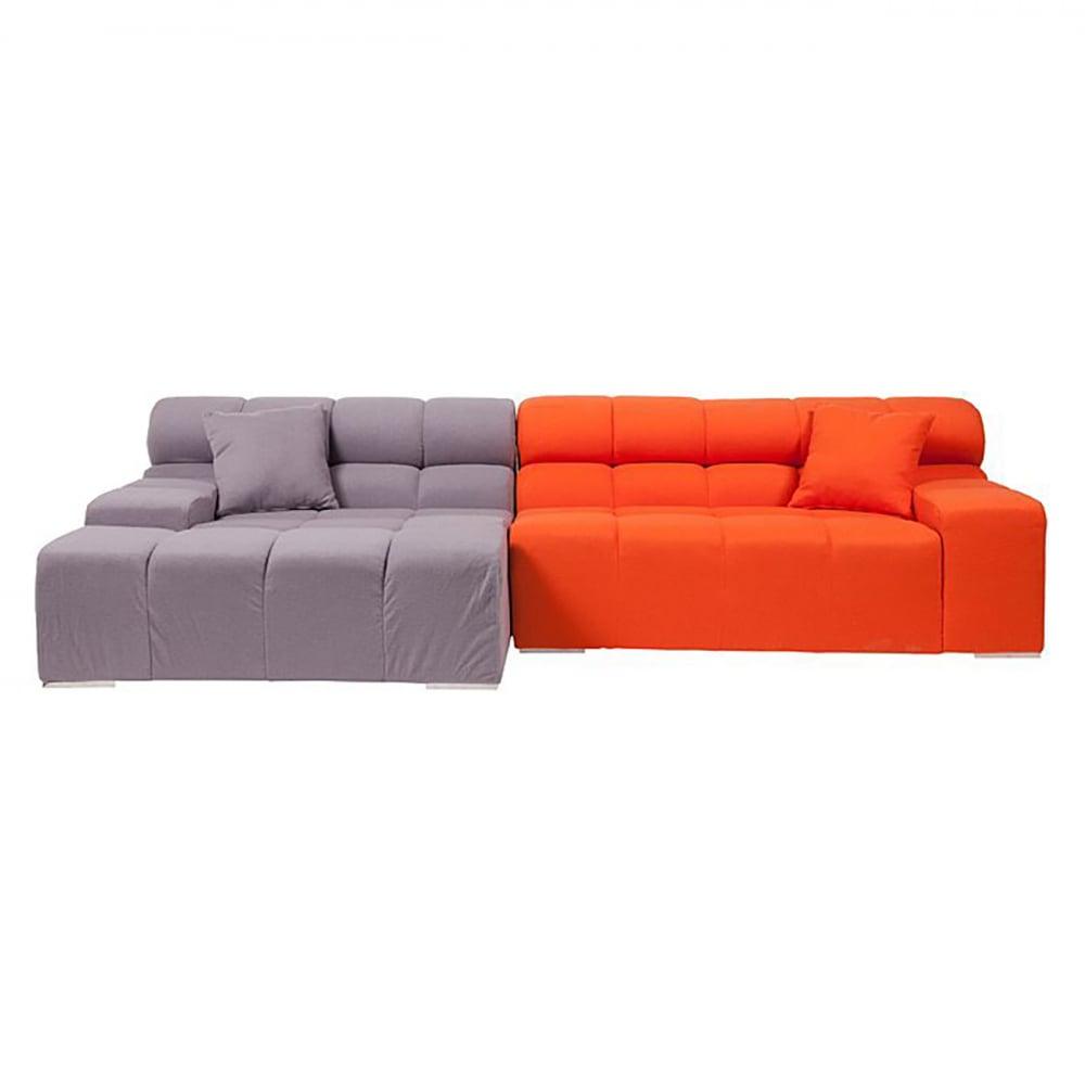 Диван Tufty-Time Sofa Серо-оранжевый Шерсть DG-HOME Диван Tufty-Time Sofa выполнен на деревянном каркасе,  с ножками из нержавеющей стали, состоит  из двух разных половинок, отличающихся  по цвету (серый и оранжевый) и по ширине,  с плоскими подлокотниками, наполнитель  — мебельный поролон, с двумя декоративными  подушками под спину. Диван Tufty-Time Sofa словно  бросает вызов всему симметричному и пропорциональному.  Два элемента можно использовать совместно,  также есть возможность «разделить» секции  и расставить их по своему вкусу. Обивка  угловой части отделана серой кашемировой  тканью. Широкий блок представлен в фиолетовом  варианте. Диван обладает и непревзойденным  удобством, долговечностью и надежностью,  изготовлен из абсолютно безопасных натуральных  материалов. Дизайн дивана от Патрисии Уркиола  (Patricia Urquiola)! Удобный аксессуар для современного  стиля гостиной.